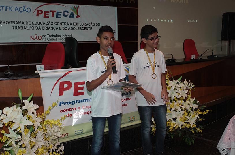Eusébio premia escolas que participaram do Peteca 2017