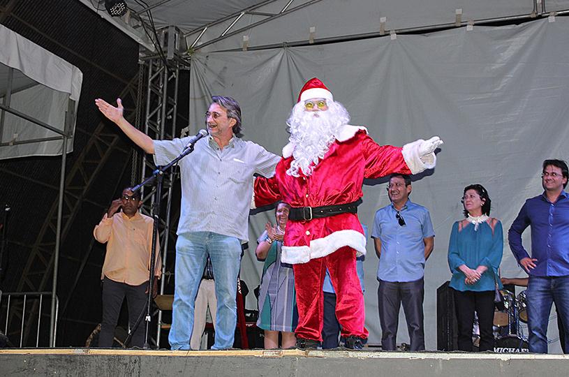Prefeitura de Eusébio reúne milhares de pessoas no V Natal de Paz