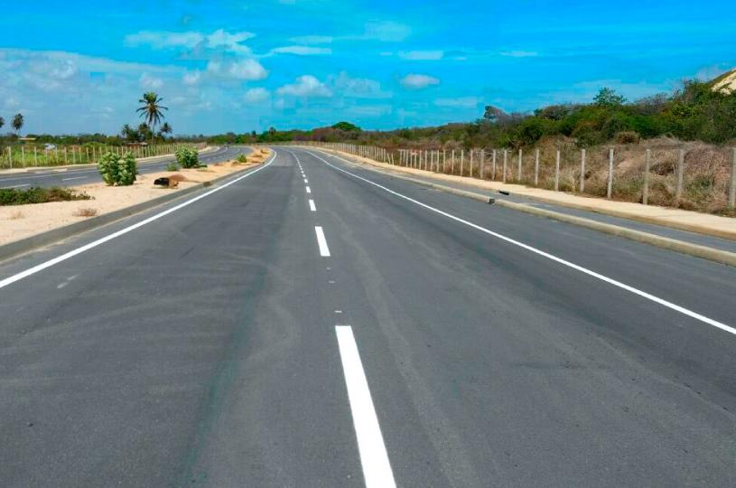Solenidade marca assinatura de ordem de serviço para construção de 30 mil metros de asfalto no Cararu e Precabura
