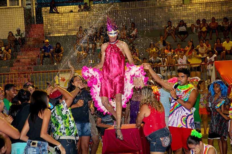 Carnaval do Eusébio terá 'Jogo das Peruas', bailes infantil e adulto no próximo domingo