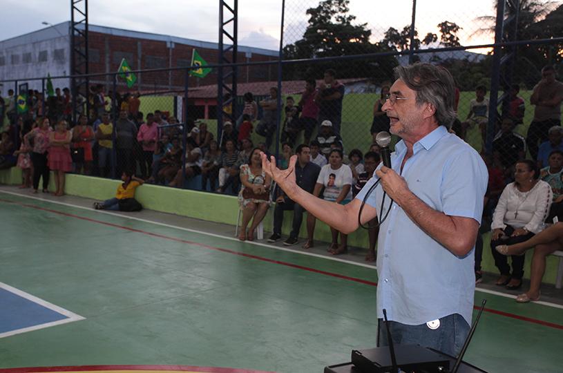 Prefeitura reinaugura Quadra Poliesportiva do Jabuti KM 19