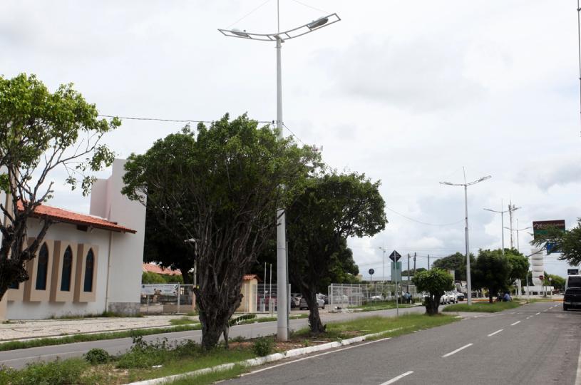 Eusébio implanta iluminação de LED nas principais vias do município