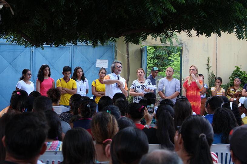 Prefeito Acilon participa de encontros com pais nas escolas municipais