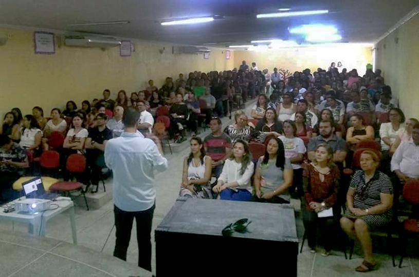 Eusébio realiza palestras sobre inteligência emocional  e motivacional para professores do Fundamental II