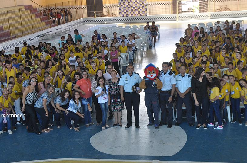Eusébio forma 380 alunos no Programa Educacional de Resistência às Drogas