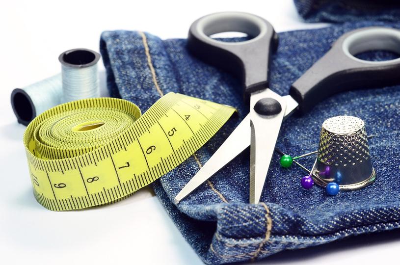 Prefeitura de Eusébio abre nova turma para o curso de 'Acertos e Consertos de roupas'