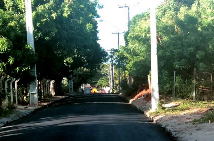 Prefeitura de Eusébio realiza obra de pavimentação no Coqueirinho e inicia CRAS da Mangabeira