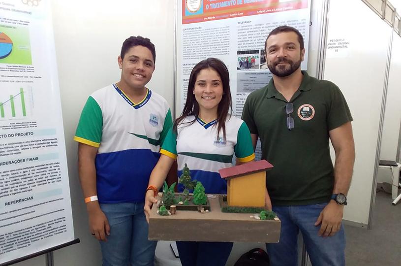 Escolas de Eusébio apresentam projetos 'fossa verde' e 'reuso de água' no Ceará Científico