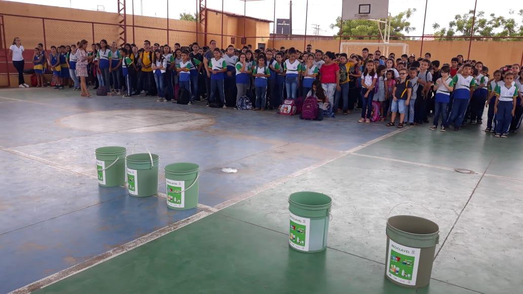 Eusébio implanta Coleta Seletiva nas escolas com material reciclado