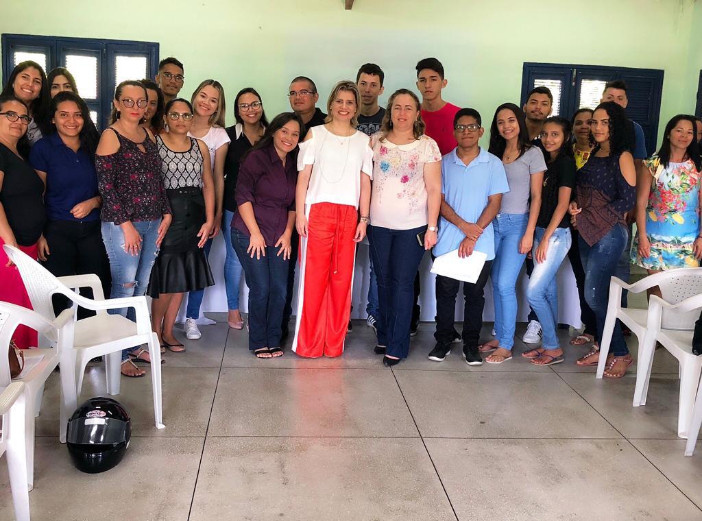 Eusébio encaminha quinze jovens por meio do programa Primeiro Passo para empresas