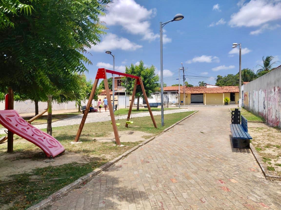 Serviço de Limpeza e Conservação de praças da Prefeitura atende seis bairros até o fim do mês