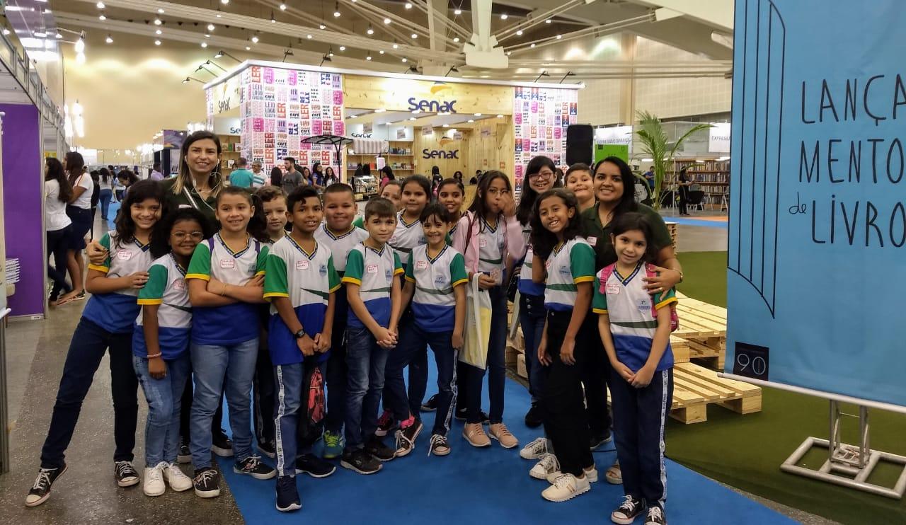 Alunos da rede municipal de ensino de Eusébio visitam a XIII Bienal Internacional do Livro do Ceará