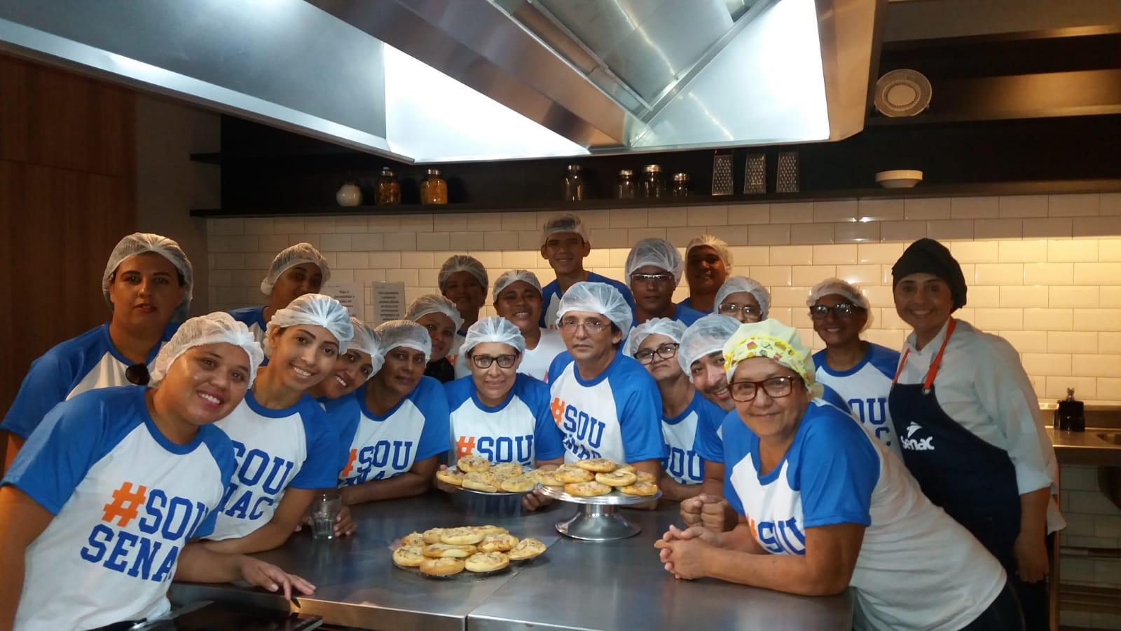 Alunos do curso de Pizzaiolo da Prefeitura de Eusébio realizam aula de campo