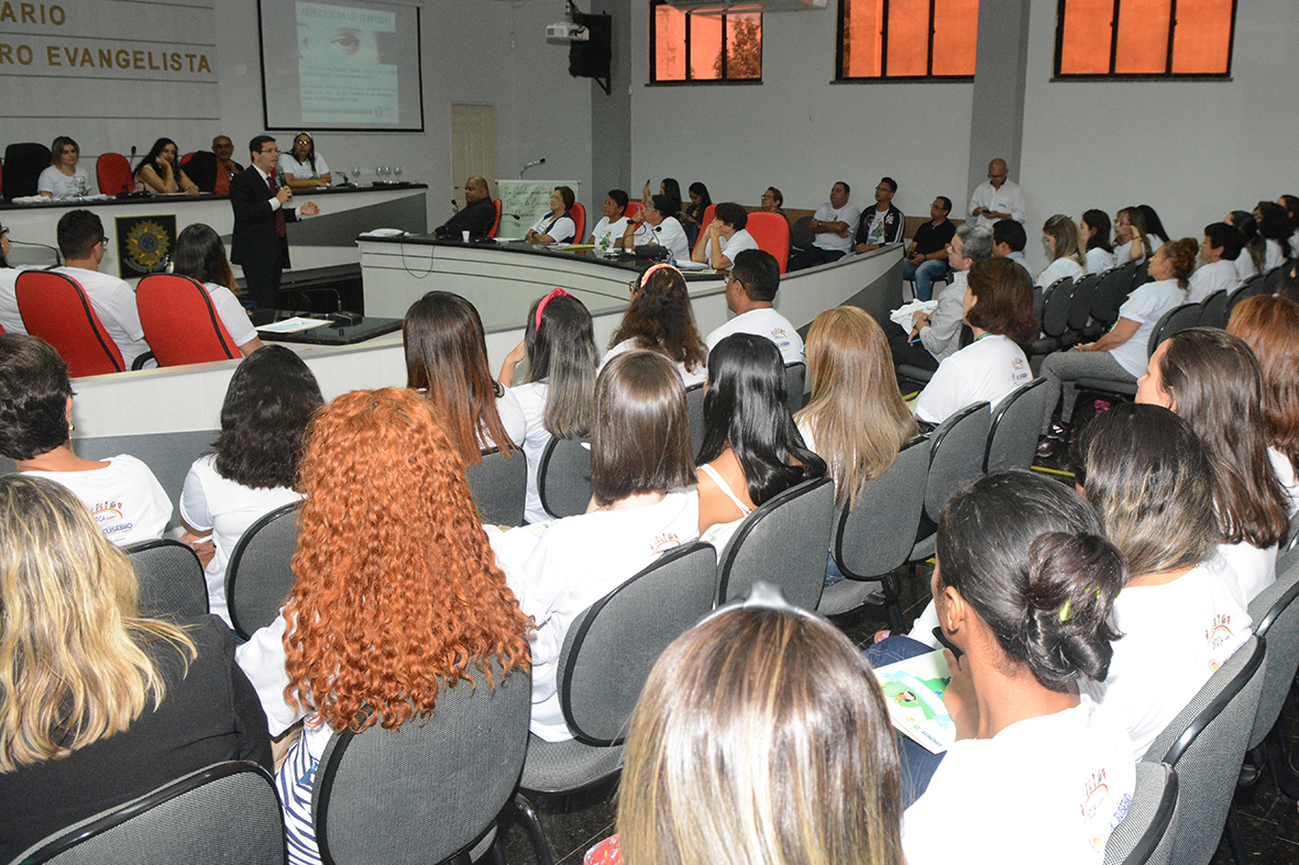 Eusébio realiza Seminário sobre os Direitos das Crianças e Adolescentes