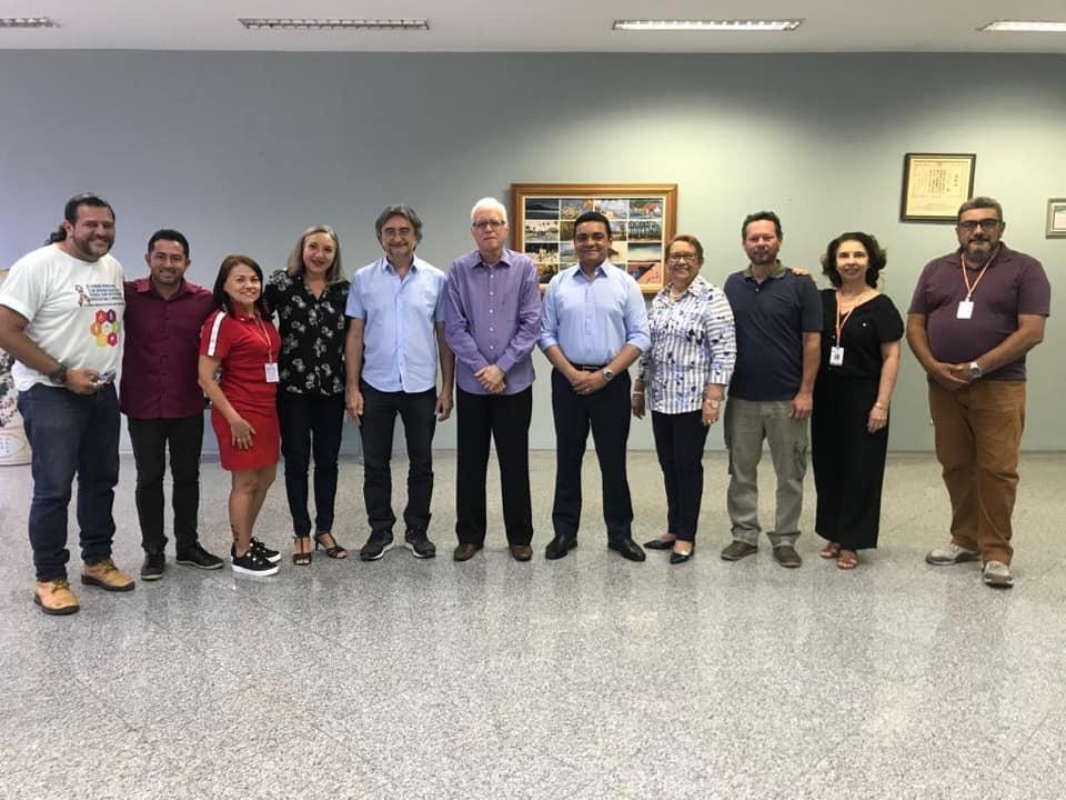 Prefeitura de Eusébio e Uece firmam convênio para capacitação em Arte e Cultura e preparação para o ENEM