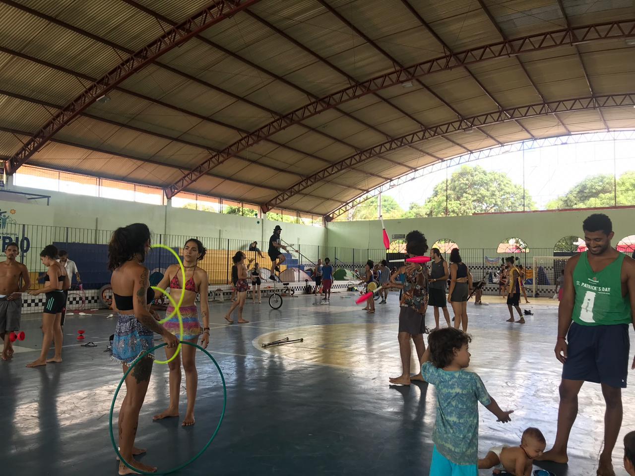 Eusébio realiza abertura da 20ª Convenção Brasileira de Malabarismo e Circo