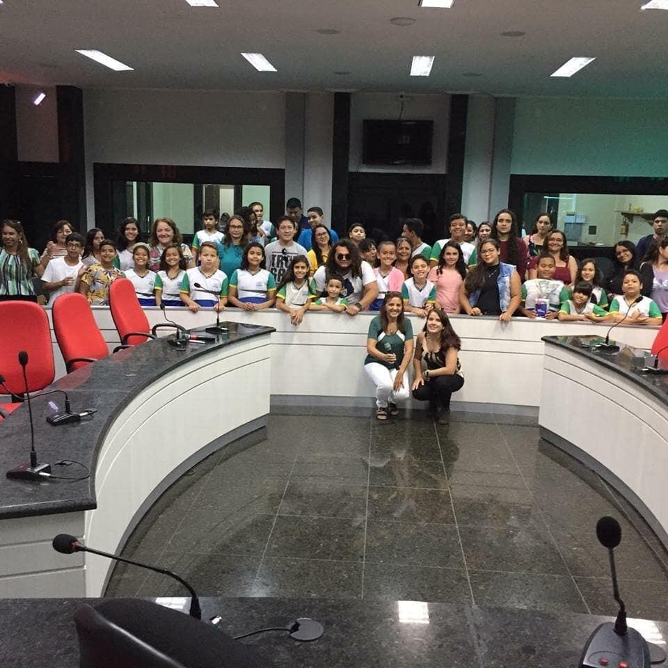 Eusébio dá pontapé inicial no projeto Rádio Escola 2020