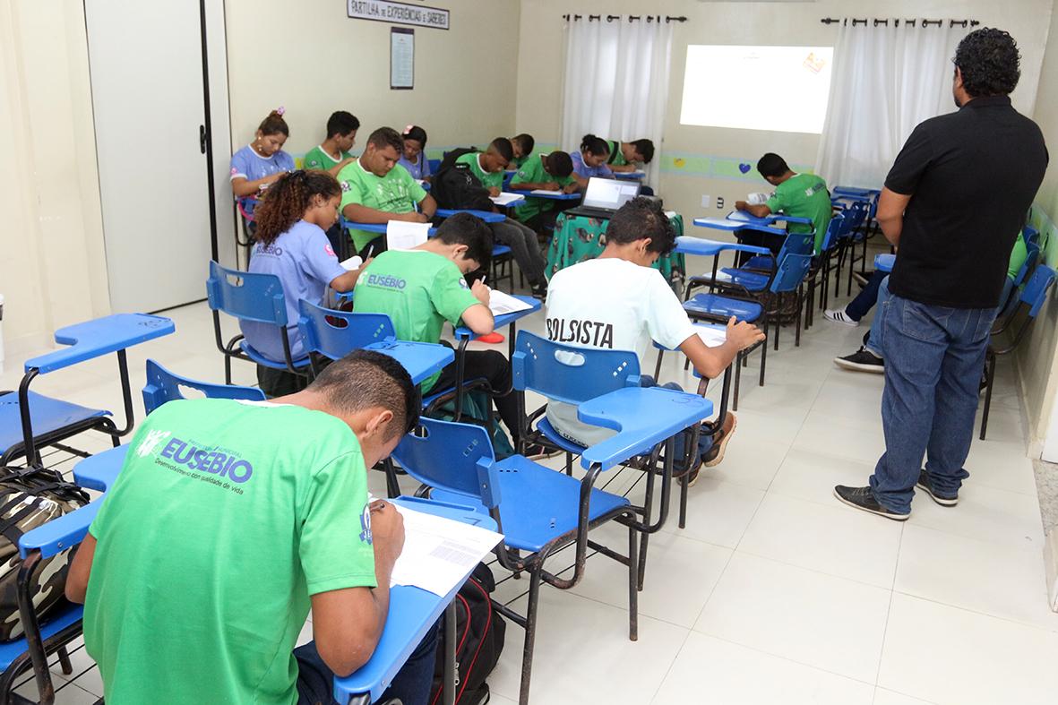 Escola de Promoção à Vida muda realidade de 120 jovens e adolescentes em Eusébio
