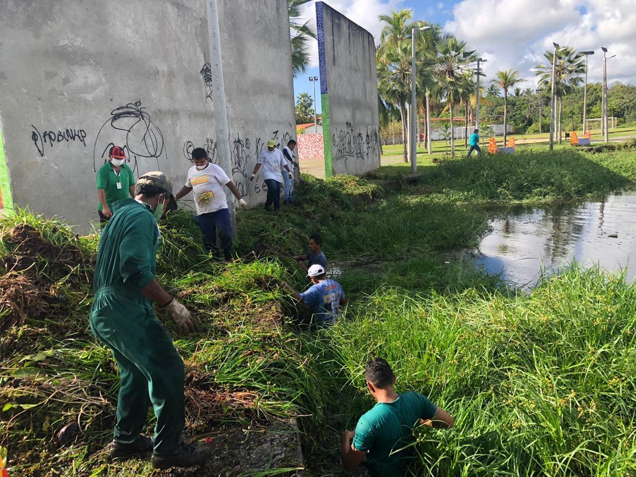 Prefeitura de Eusébio realiza a limpeza de lagoas e açudes