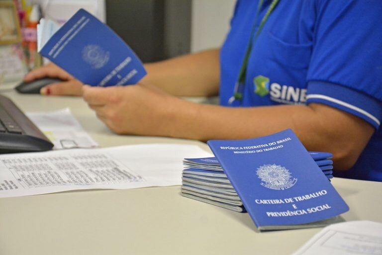 SINE/IDT oferece mais de 30 vagas de emprego com carteira assinada em Eusébio