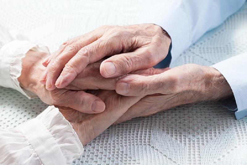 Mesmo com reabertura, cuidados com pessoas do grupo de risco continuam