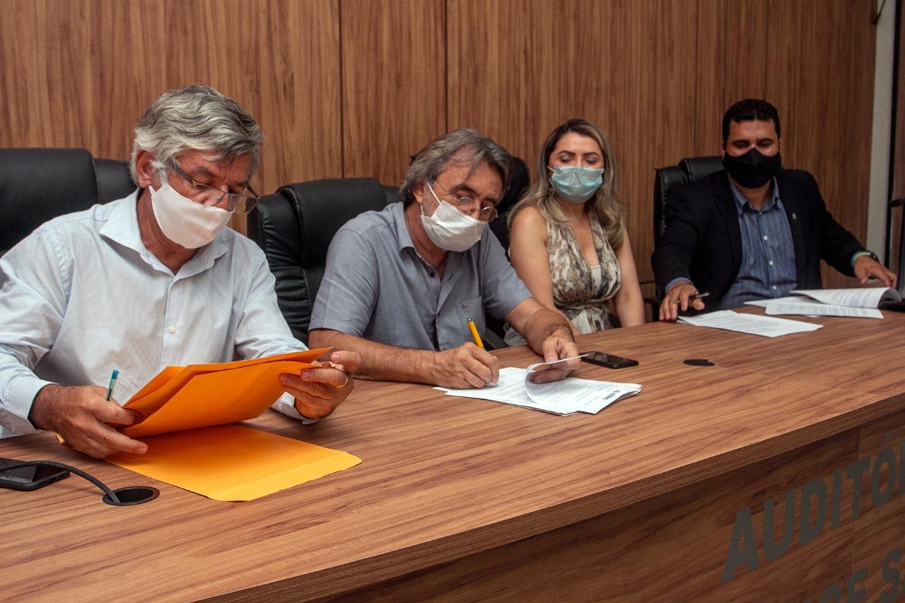 Eusébio é o primeiro município do Ceará a utilizar Pix para pagamento de fornecedores e recebimento de tributos