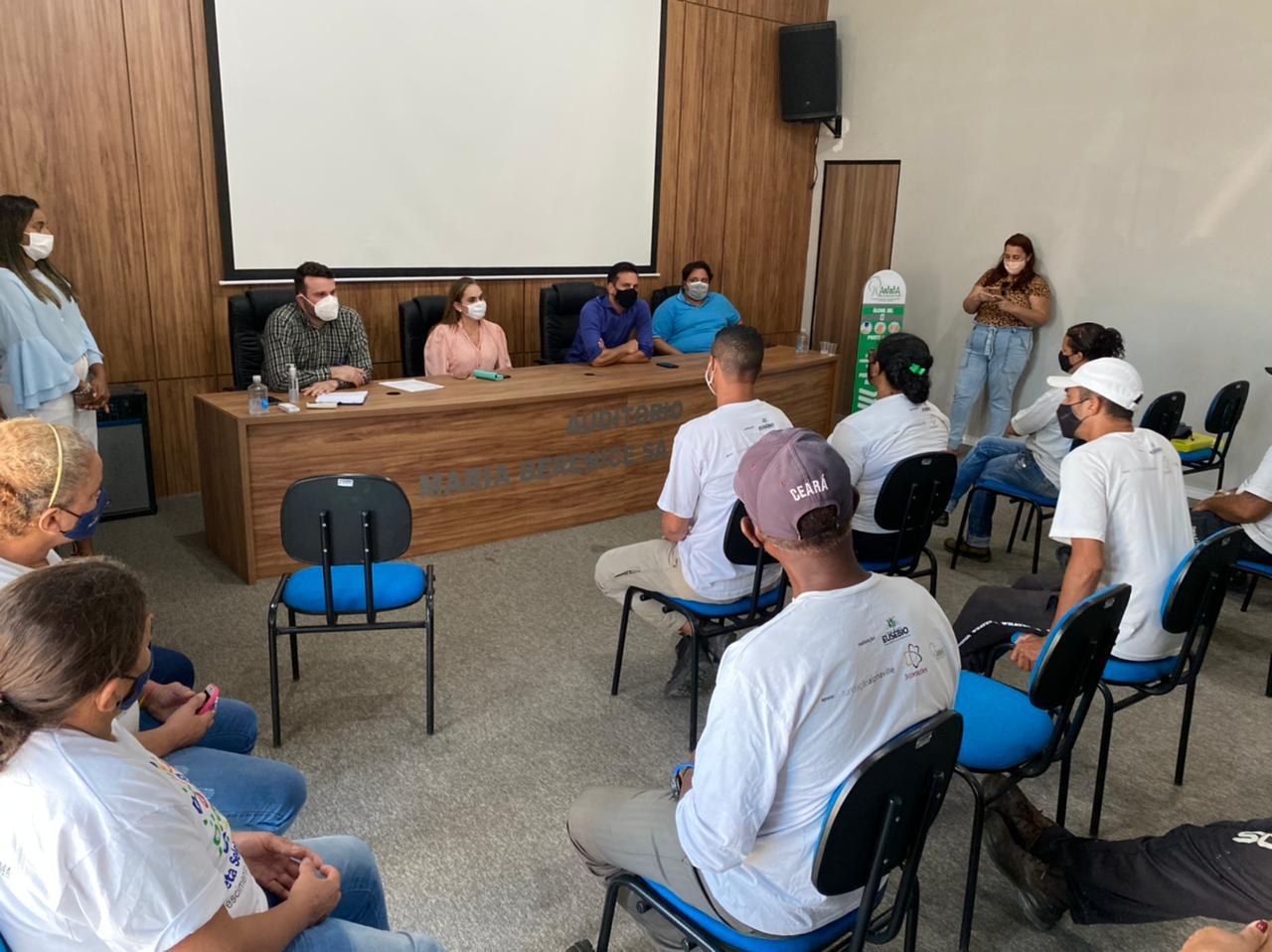 AMMA e Controladoria realizam normatização da parceria com a Associação de Catadores de coleta seletiva do Eusébio