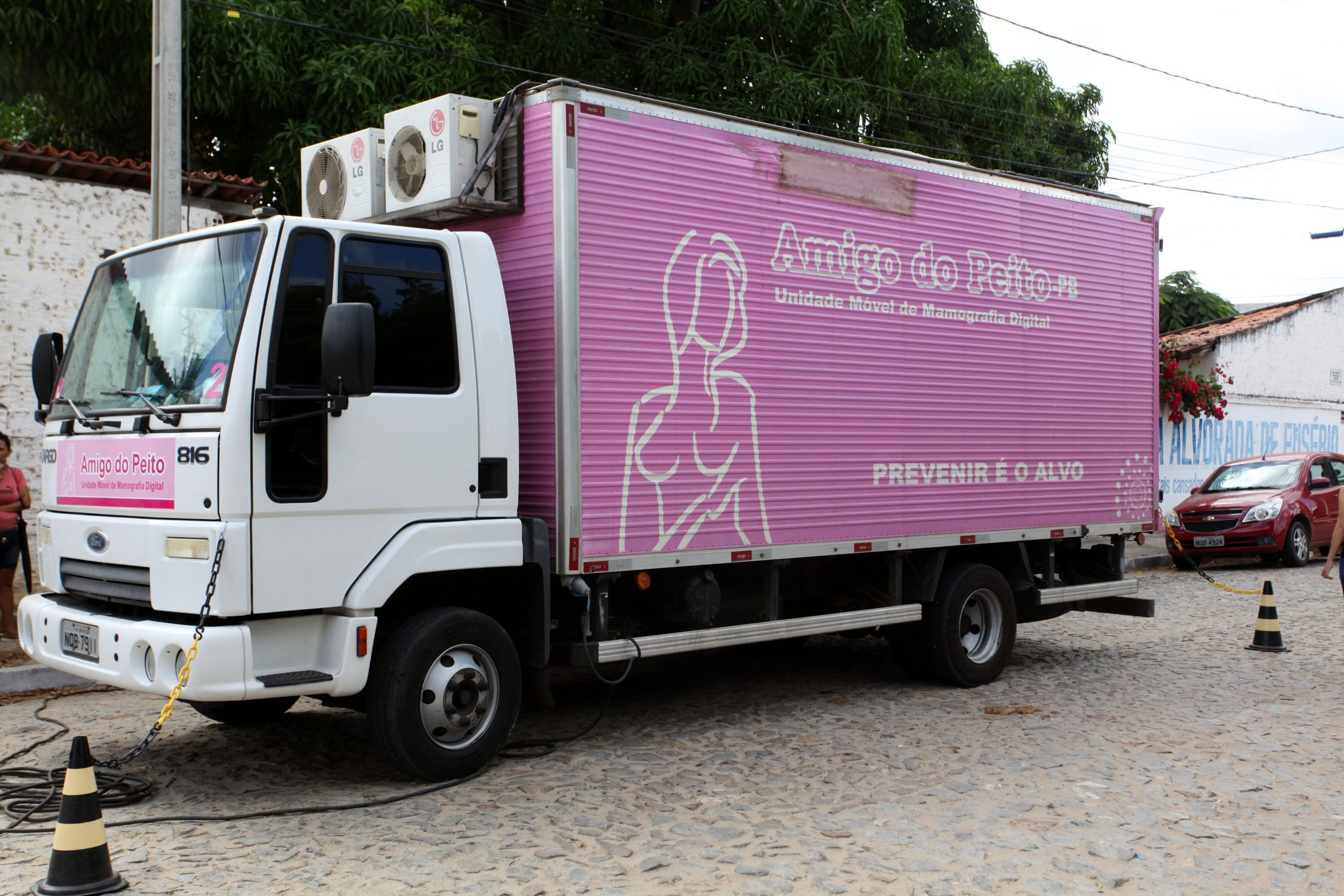 Eusébio realiza segundo mutirão de mamografias e prevê a realização de 80 exames até sexta-feira