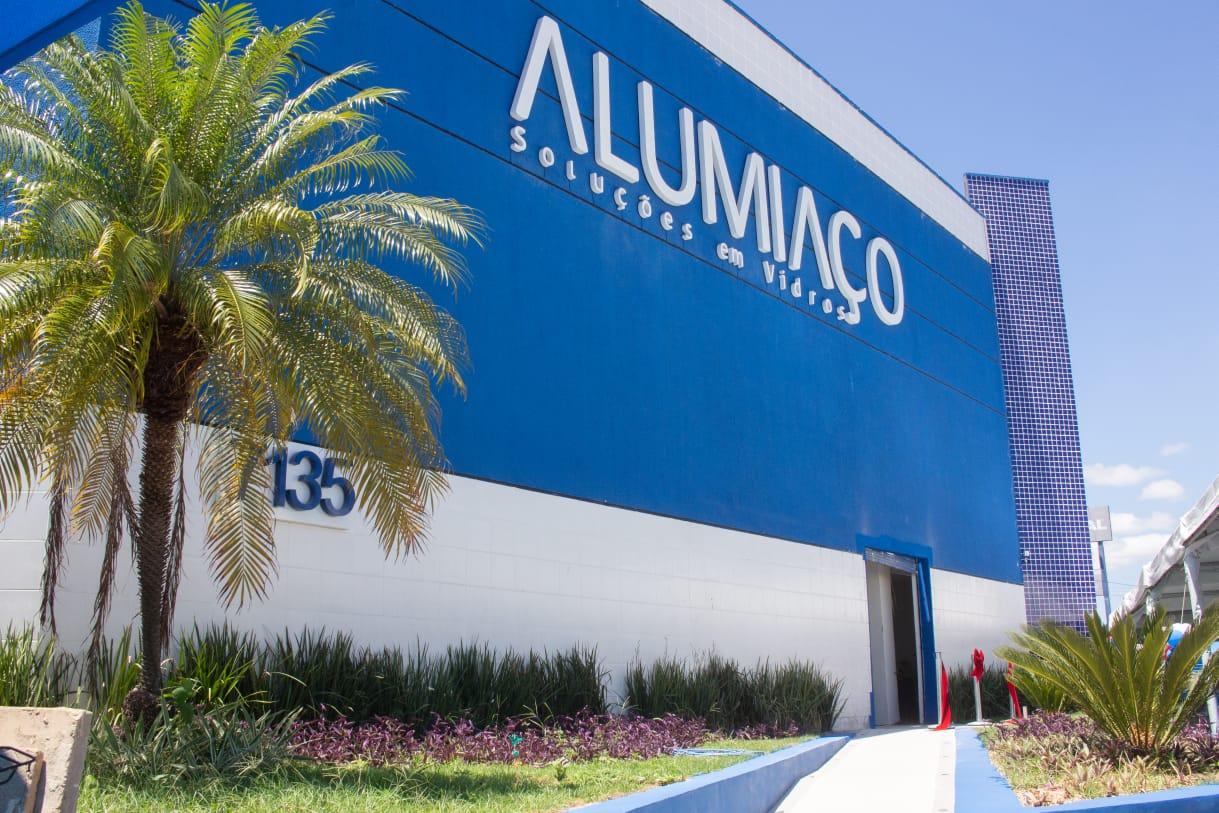 Alumiaço inaugura filial no Eusébio gerando 600 empregos diretos
